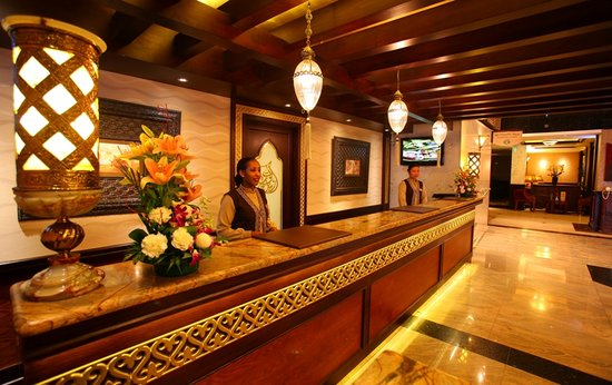 Arabian Courtyard Hotel & Spa: Reception