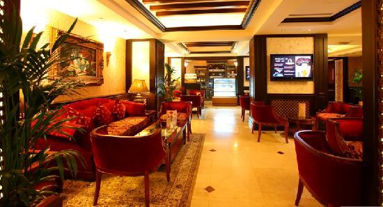 Arabian Courtyard Hotel & Spa: Ahalan Lounge