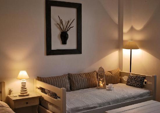 Diplos Studios : living room