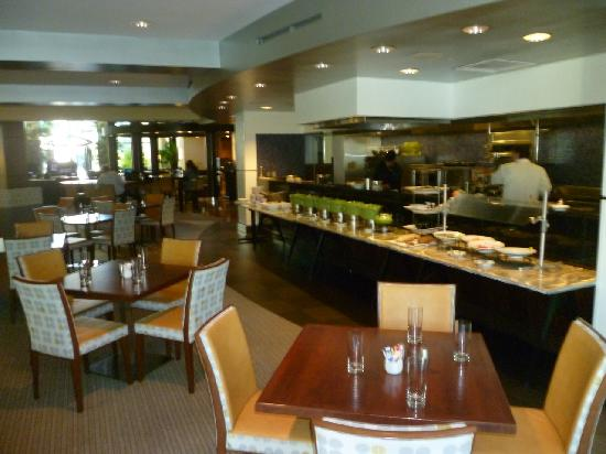 Renaissance ClubSport Walnut Creek Hotel: Breakfast room / restaurant