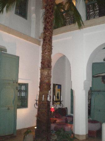 Dar Malak: un coin salon tres agréable au rdc