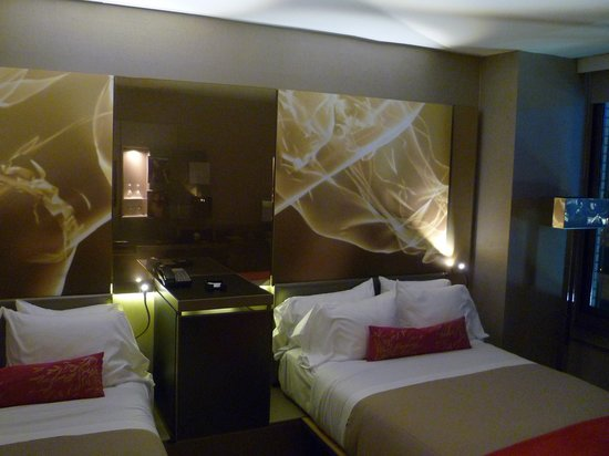 W New York - Times Square: Room - perfect lightening for a perfect night