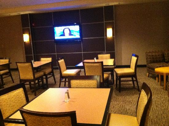 Cambria hotel & suites Columbus - Polaris: Dining