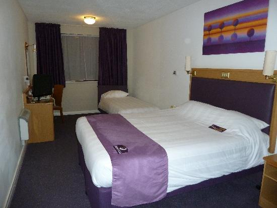 Premier Inn Cardiff (Roath) Hotel: Large Family Room