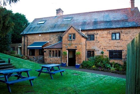 The Inn at Farnborough: The Inn