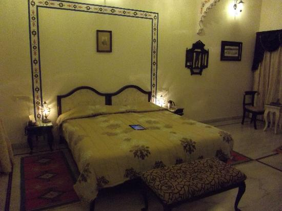 Hotel Inder Prakash: Room