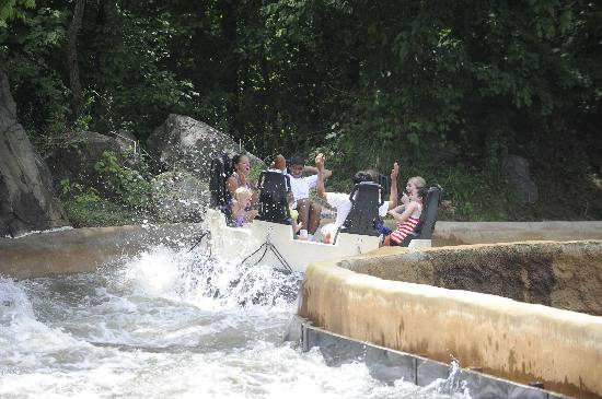 Bowie, MD: Renegade Rapids at Six Flags America