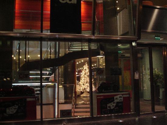 UNA Hotel Bologna: ingresso hotel
