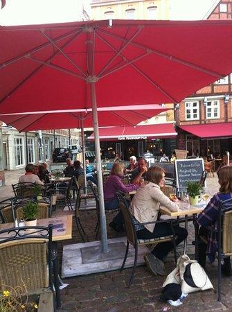 Cafe am Fischmarkt: Fischmarktflair im Frühling