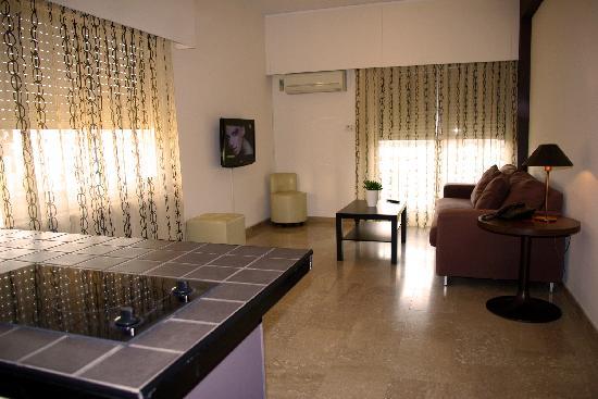 Vegas Hotel Apartments: living area