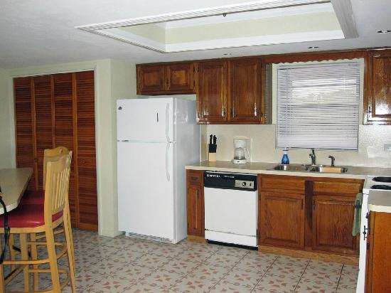 Port Largo Villas : Condo Kitchen