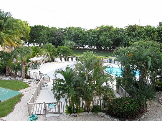 Port Largo Villas : Condo Pool Area