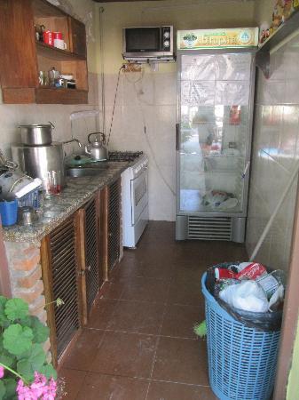 Hostel Ibirapita: Kitchen