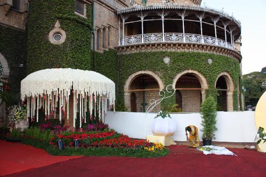 Bangalore Palace: L'entrée