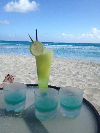 ME Cancun: good drinks!!