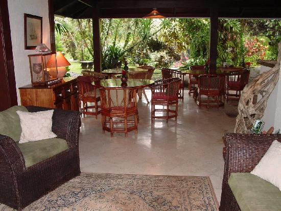 Magellan Boutique Hotel: Reception and dining areas