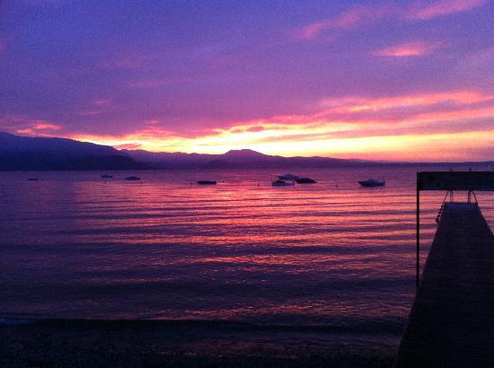 Camping Zocco Centro Vacanze : View at Lake Garda