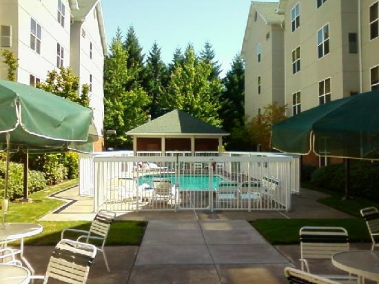 Homewood Suites by Hilton-Hillsboro/Beaverton: Außenpool