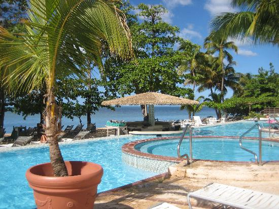 Rincon Beach Resort: pool