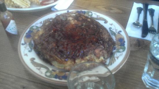 The Maple Counter Cafe: The monserous wonderful Apple Pancake
