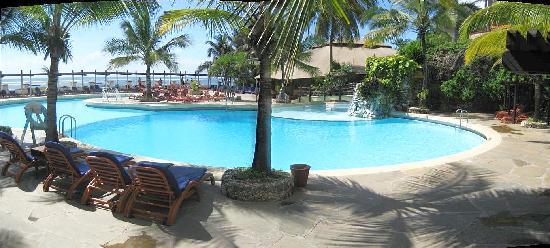 Leopard Beach Resort & Spa: LBR-poolarea