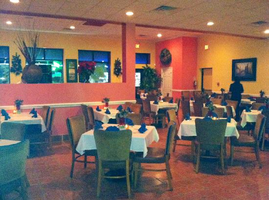 Azteca Restaurant and Cantina: Inside the Restaurant