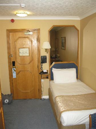 Best Western Burns Hotel Kensington Kleine Zimmer
