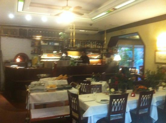 Ristorante Le Stagioni : Un'altra vista della sala.