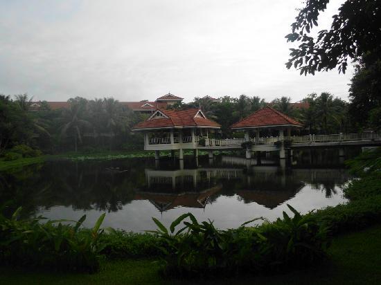 Sofitel Angkor Phokeethra Golf and Spa Resort: the hotel gardens