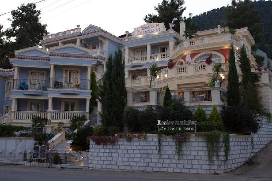 Enavlion Hotel Batagianni: the hotel 1