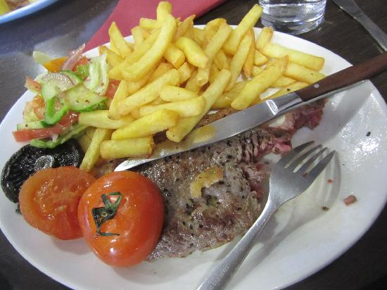 Smoo Cave Hotel: Steak dinner