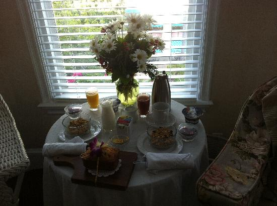 Snug Harbor Inn: Amazing Continental Breakfast