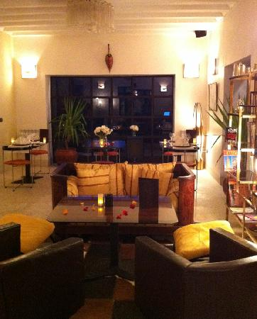 Domaine Malika: The Lounge