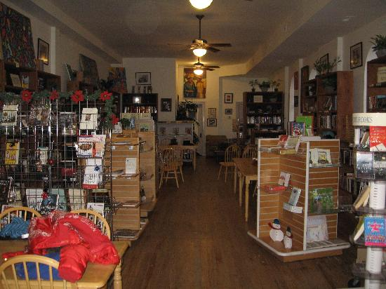 Pages Bookstore: Interior