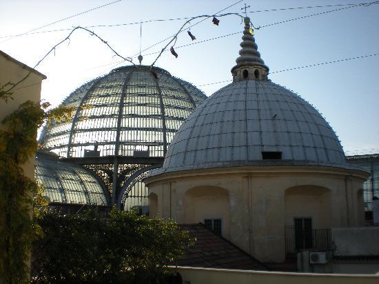 B&B Attico Partenopeo: La terrazza sulla Galleria Umberto I°
