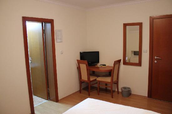 Hotel Konak: Room