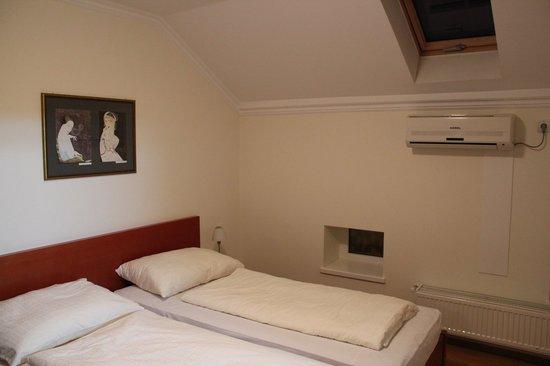Pozarevac, صربيا: Room