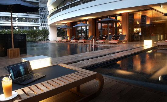 Fraser Suites Sukhumvit Pool Area