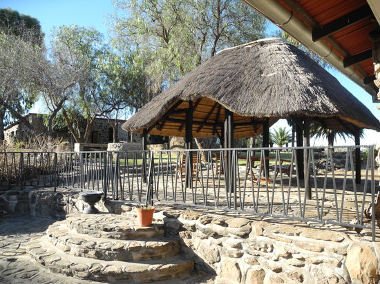 Leopard Lodge: Breezy and relaxed pergola areas
