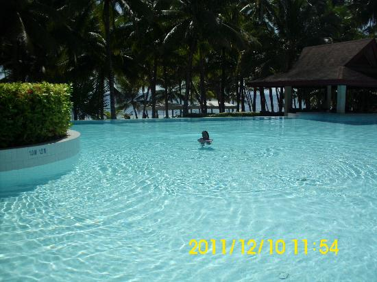 Henann Resort Alona Beach: the pool