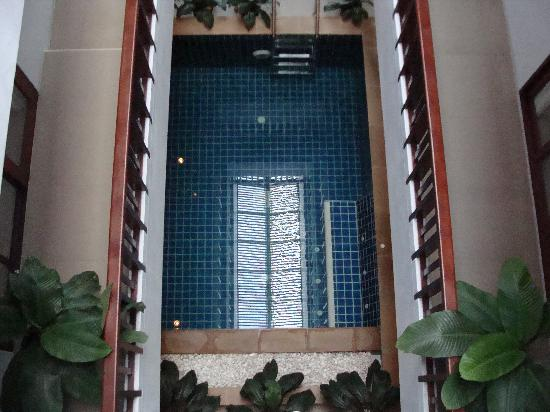 Amarina Residence: looking down to pool from the top floor