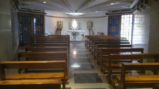 Casa Tra Noi: La Chiesa