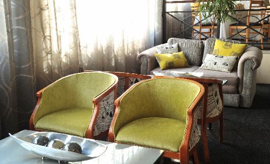 Protea Hotel by Marriott Midrand Samrand: Lounge area
