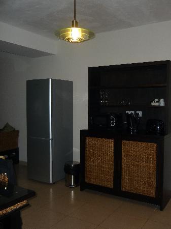 Rocca Nettuno suites : stanza