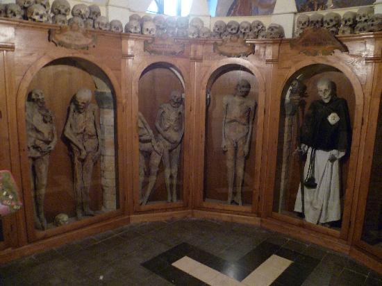 Chiesa dei Morti : mummie