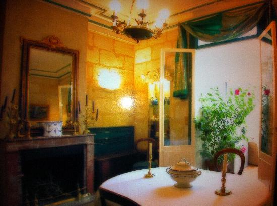 salle a manger vue sur le jardin exotique - Picture of Chartron's ...