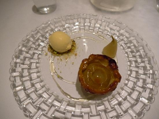 Muse Restaurant: Dessert 2 - Pear Tarte Tatin