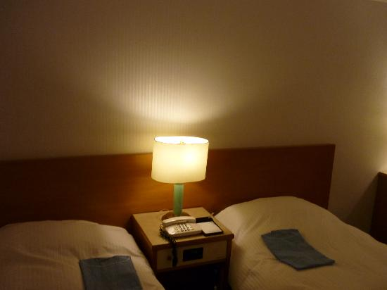 Hotel Sunlite Shinjuku: Room Bed