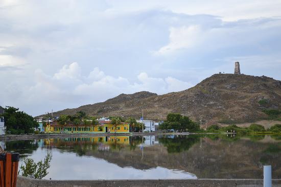 Posada Galapagos: la posada frente a la laguna