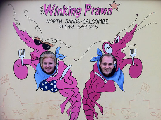 Winking Prawn: partytime on the beach